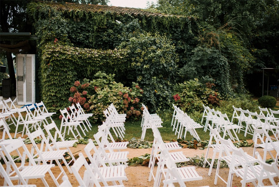 CLARA & TOMMY: BODA EN EL EMPORDÀ deco-ceremonia-boda
