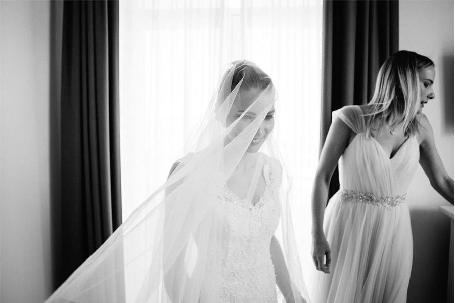 GEA & VALERIO: BODA EN NÁPOLES velo-novia