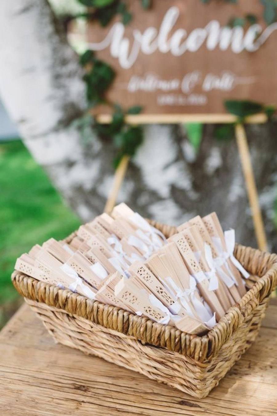 5 REGALOS SENCILLOS, IDEALES PARA TUS INVITADOS abanicos-boda