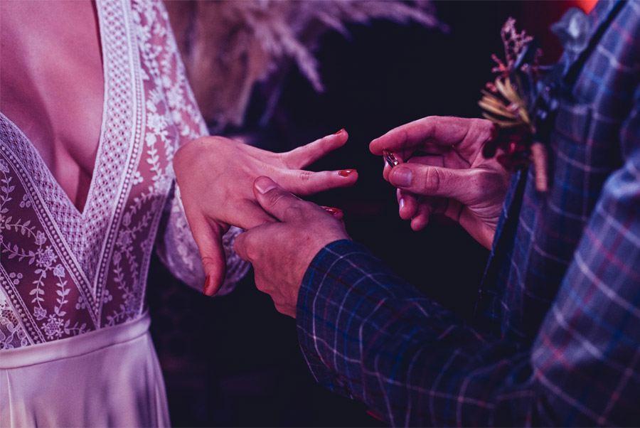 UNA MÁGICA BODA DE CIRCO alianzas-boda