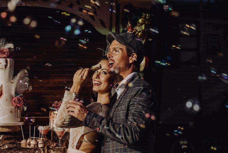 UNA MÁGICA BODA DE CIRCO burbujas-boda