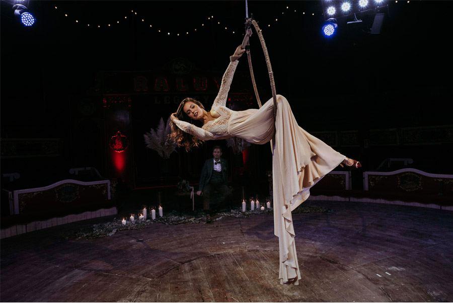 UNA MÁGICA BODA DE CIRCO editorial-circo