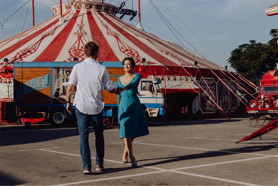 UNA MÁGICA BODA DE CIRCO pareja-circo