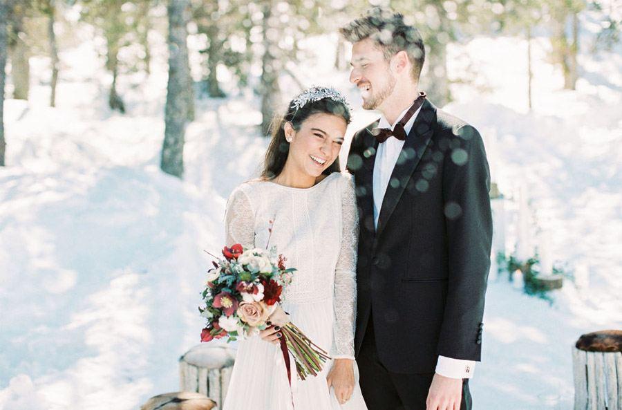 UNA ROMÁNTICA BODA DE INVIERNO novios-boda-nieve