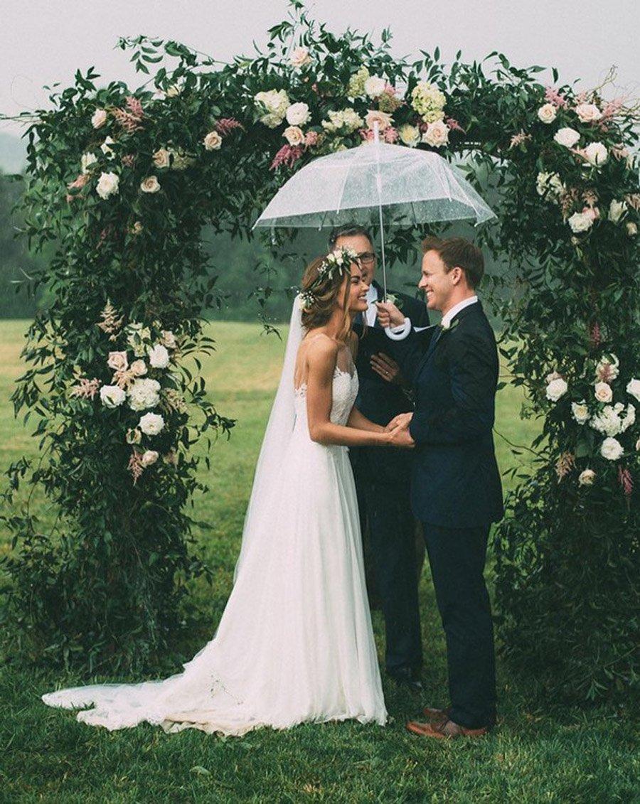 NOVIA MOJADA, NOVIA AFORTUNADA boda-lluviosa