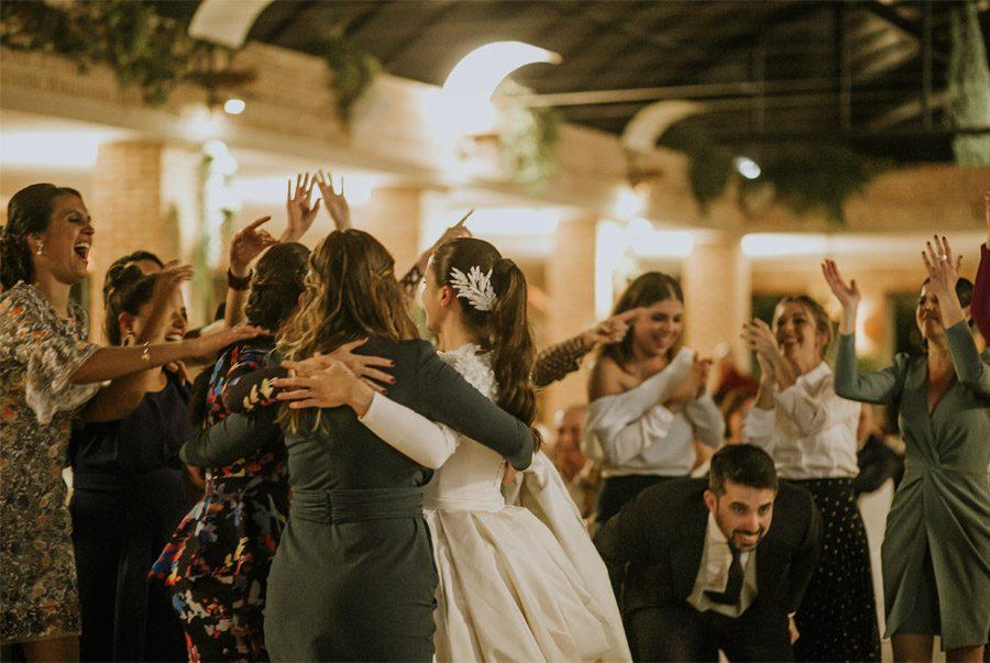Mª CARMEN & DANI: UNA BODA LLENA DE LUZ fiesta-boda