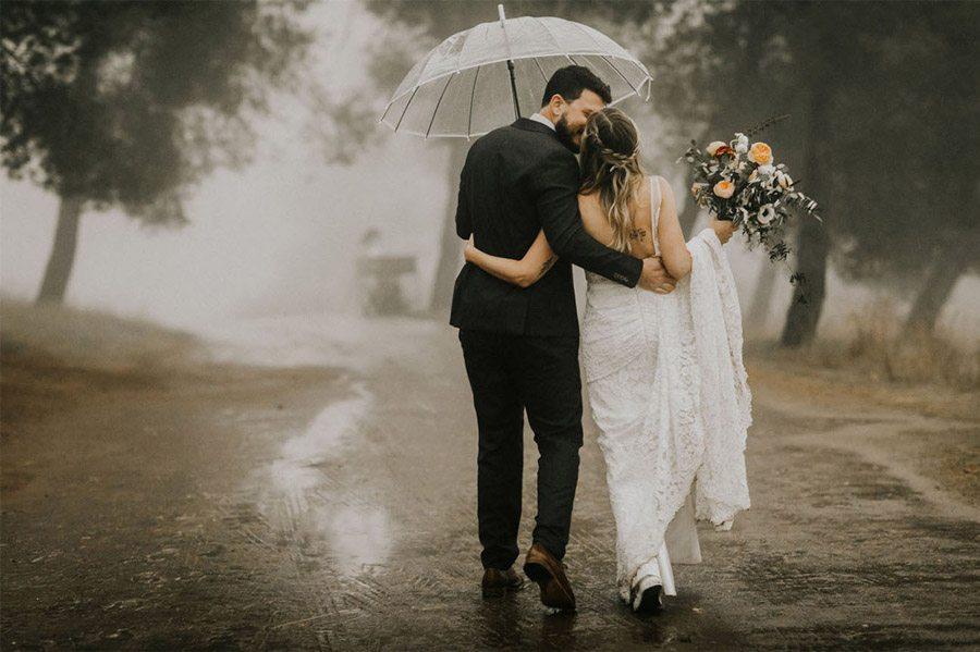 NOVIA MOJADA, NOVIA AFORTUNADA novia-con-paraguas