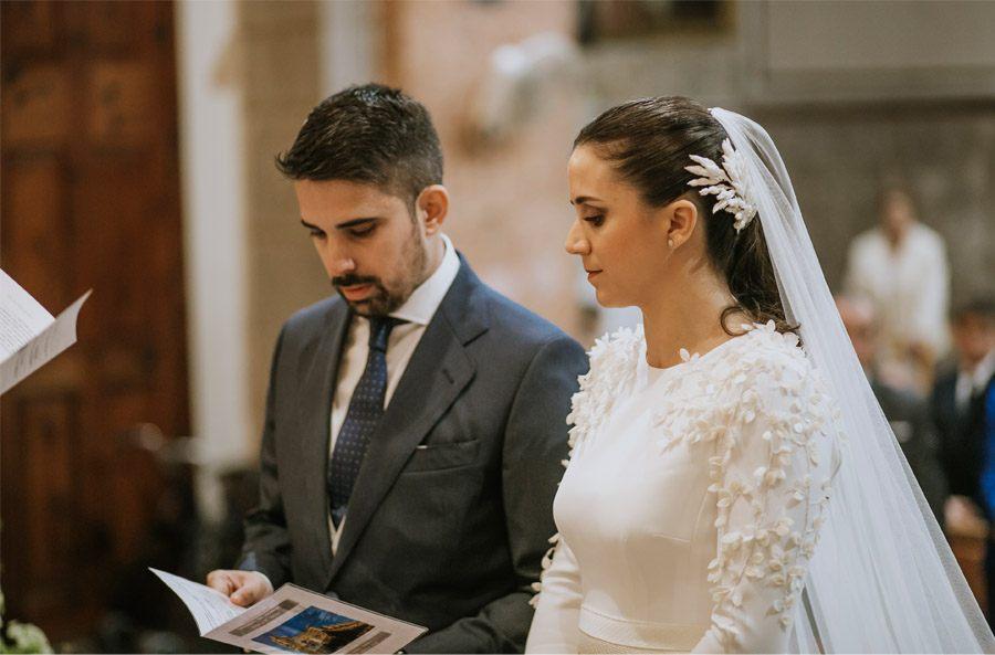 Mª CARMEN & DANI: UNA BODA LLENA DE LUZ novios-boda