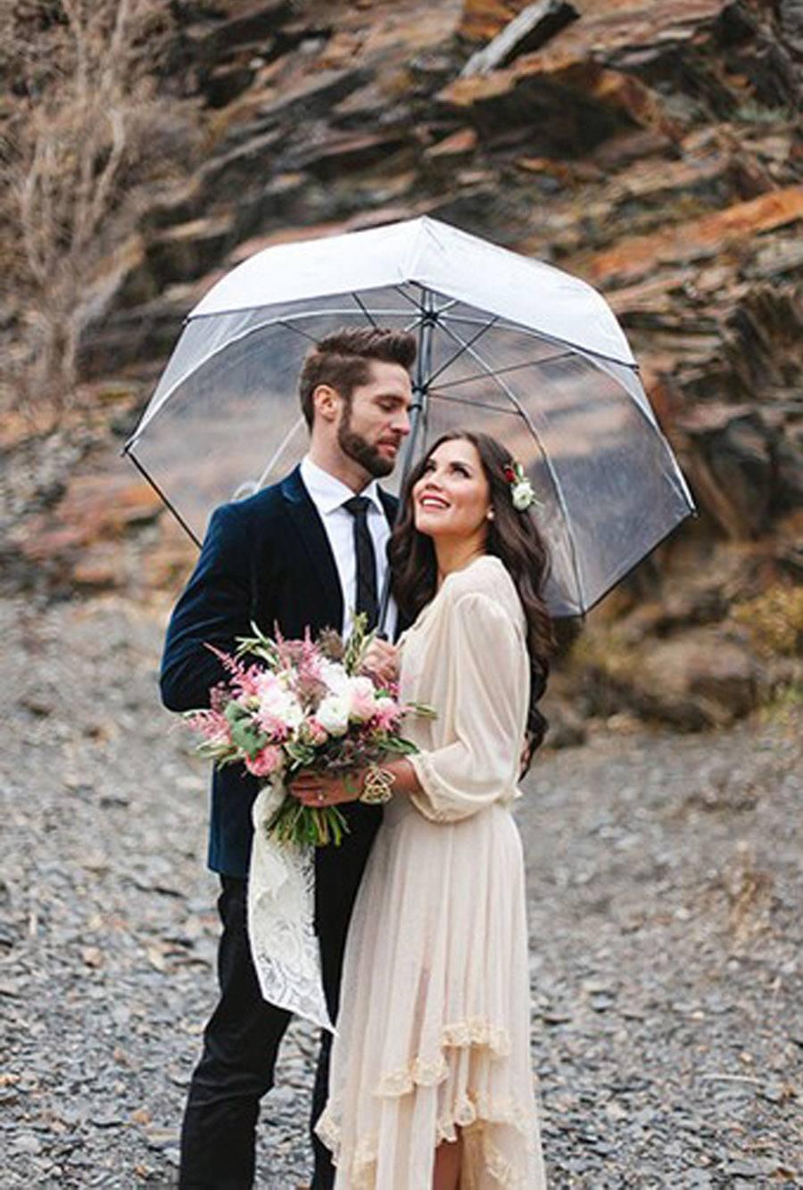 NOVIA MOJADA, NOVIA AFORTUNADA paraguas-boda