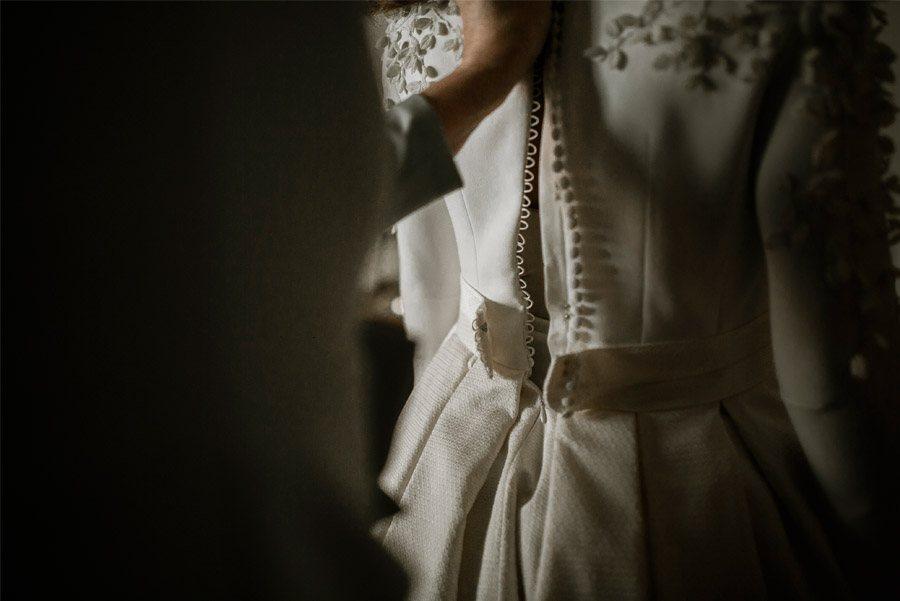 Mª CARMEN & DANI: UNA BODA LLENA DE LUZ vestido-novia