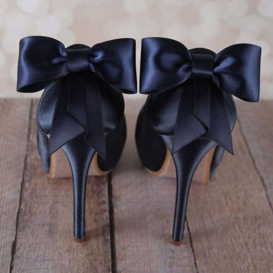 CLASSIC BLUE EN LAS BODAS DE 2020 zapatos-classic-blue