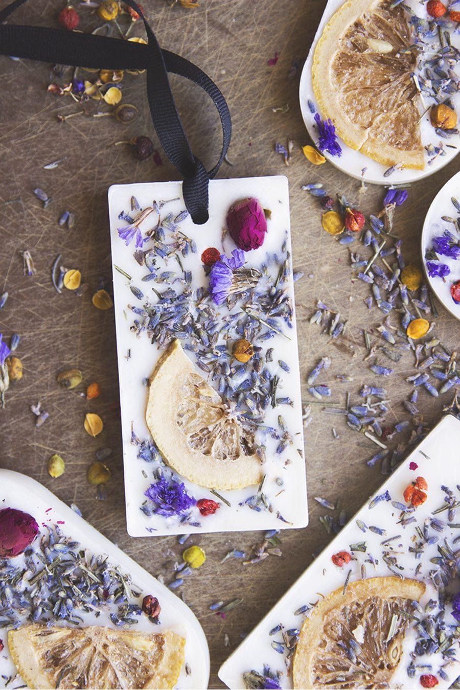 DIY: WAX SACHETS COMO REGALO PARA TUS INVITADOS boda-barritas-aromaticas
