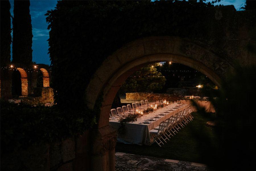 ANDREA & ADRIANO: UNA BODA LLENA DE LUZ decoracion-mesas-boda