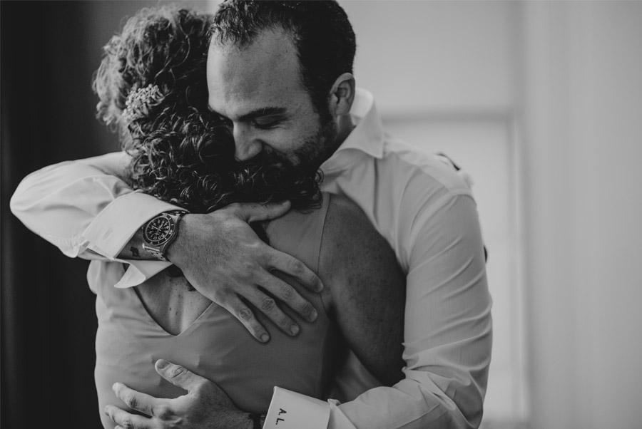 ANDREA & ADRIANO: UNA BODA LLENA DE LUZ mama-novio