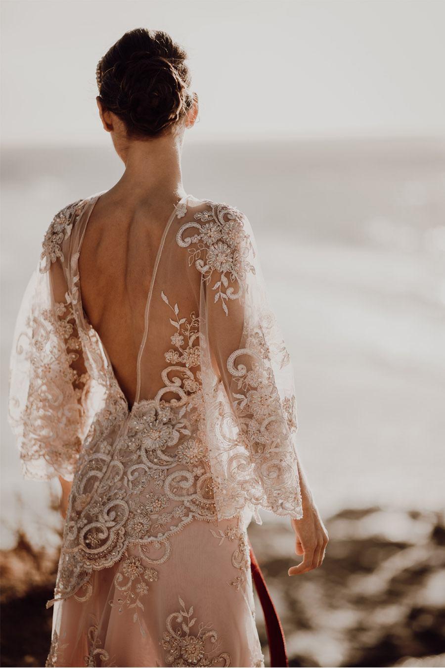 LAURE & MAURI: AMOR POR UNA ISLA vestido-novia-espalda