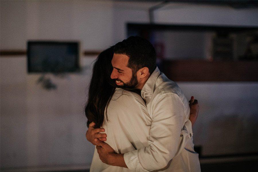 RAQUEL & PABLO: PROMESAS DE AMOR abrazo-novios-1