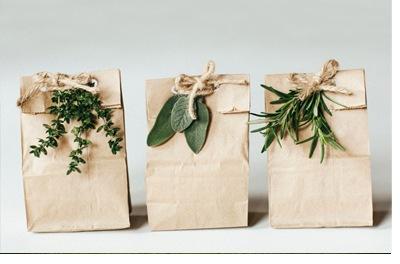 IDEAS FRESCAS PARA ENVOLVER LOS REGALOS DE TUS INVITADOS regalo-invitados-1