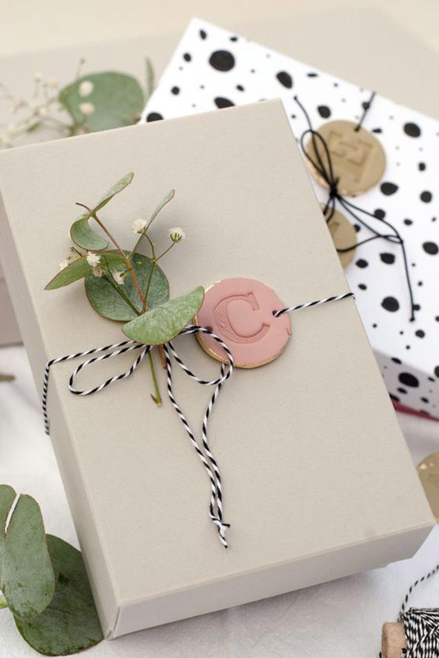 IDEAS FRESCAS PARA ENVOLVER LOS REGALOS DE TUS INVITADOS regalo-invitados-embalaje