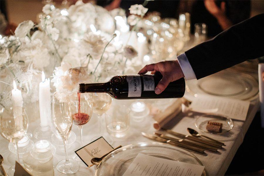 RAQUEL & PABLO: PROMESAS DE AMOR vino-boda