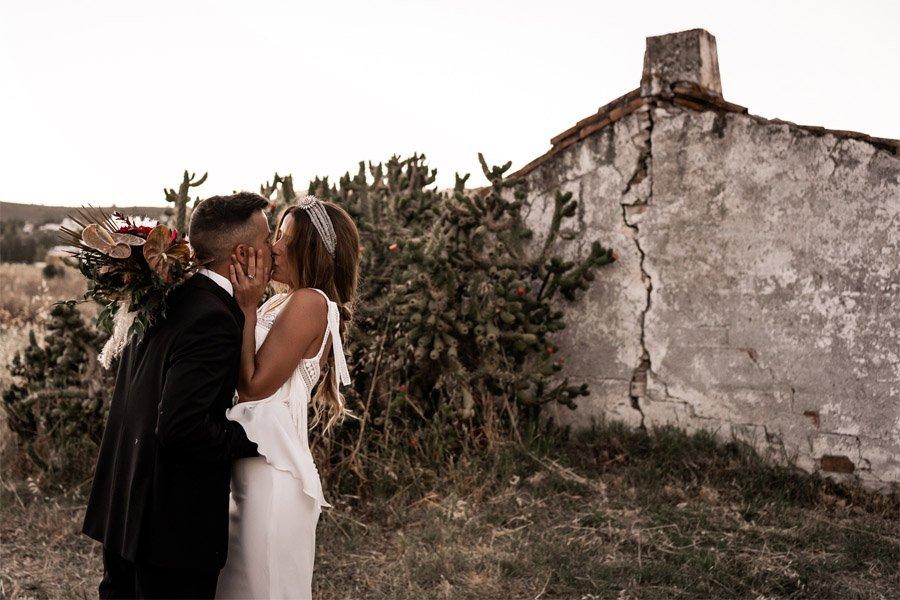 JESSICA & JUAN: WINDS OF LOVE beso-novios