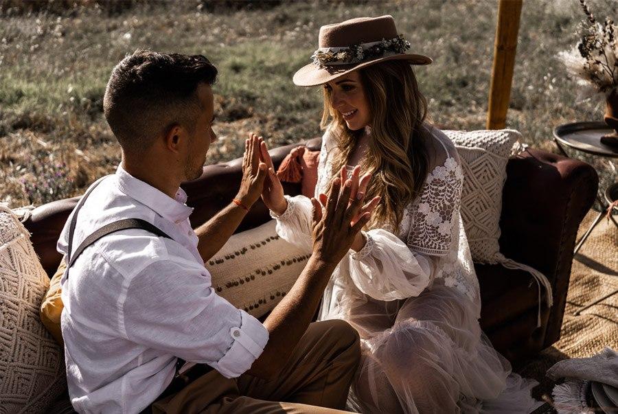 JESSICA & JUAN: WINDS OF LOVE novios-boho