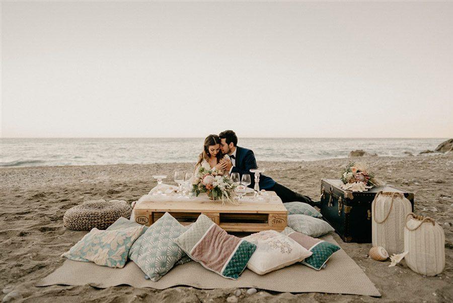 KAIROS, EL ARTE DE BUSCAR EL MOMENTO ADECUADO boda-playa-editorial