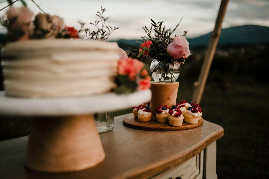 VERÓNICA Y AITOR: CUANDO EL AMOR TODO LO PUEDE pastel-boda