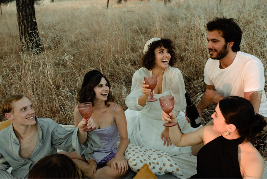 APUESTA POR UNA BODA PICNIC boda-picnic-invitados