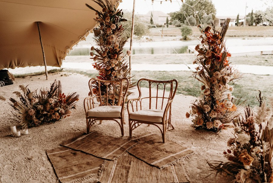 FLORINE & FLORIAN: ROMÁNTICA BODA DE OTOÑO deco-ceremonia-boda-otono