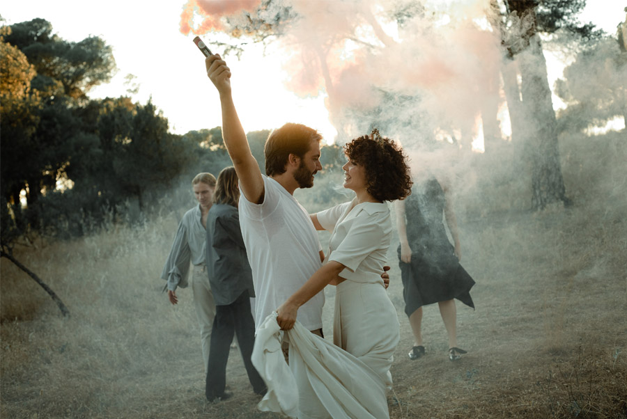 APUESTA POR UNA BODA PICNIC humo-colores-boda