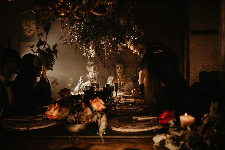 SAMHAIN, VIDA Y MUERTE, AMOR Y DOLOR banquete-dia-muertos-1