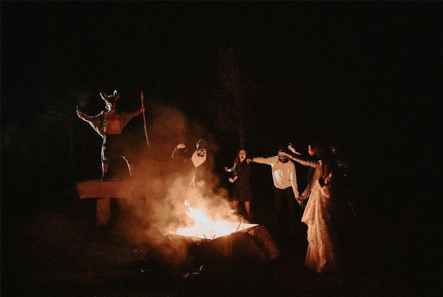 SAMHAIN, VIDA Y MUERTE, AMOR Y DOLOR hoguera-samhain