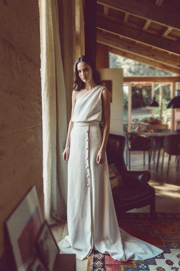 THE SHOW MUST GO ON, NUEVA COLECCIÓN NOVIAS 2021 DE BAREA BARCELONA vestido-novia-barea-683x1024