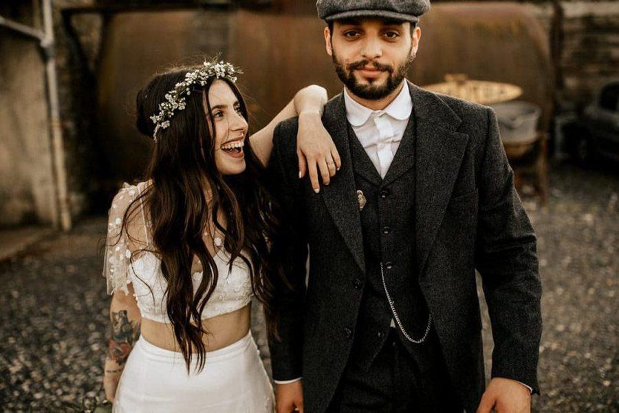 MÉLANIE & THIBAUT: UNA BODA BOHEMIA EN LA REGIÓN DE PARÍS novios-boda-bohemia
