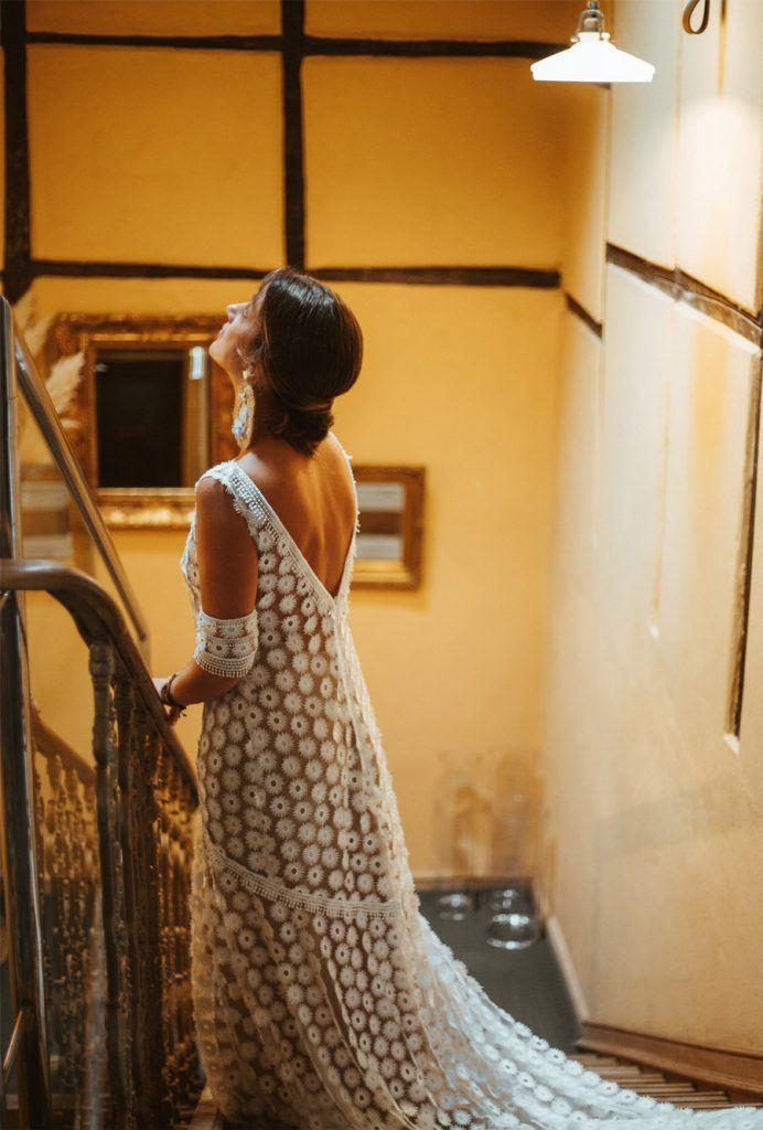 BODA EN UN CASERÍO CASTELLANO novia-vestido-692x1024