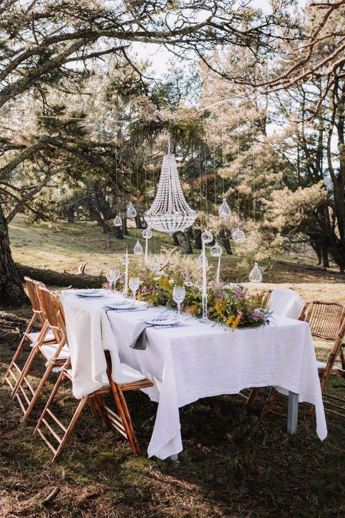 UNA BODA ÍNTIMA EN EL MONTE VASCO deco-mesa-boda-683x1024
