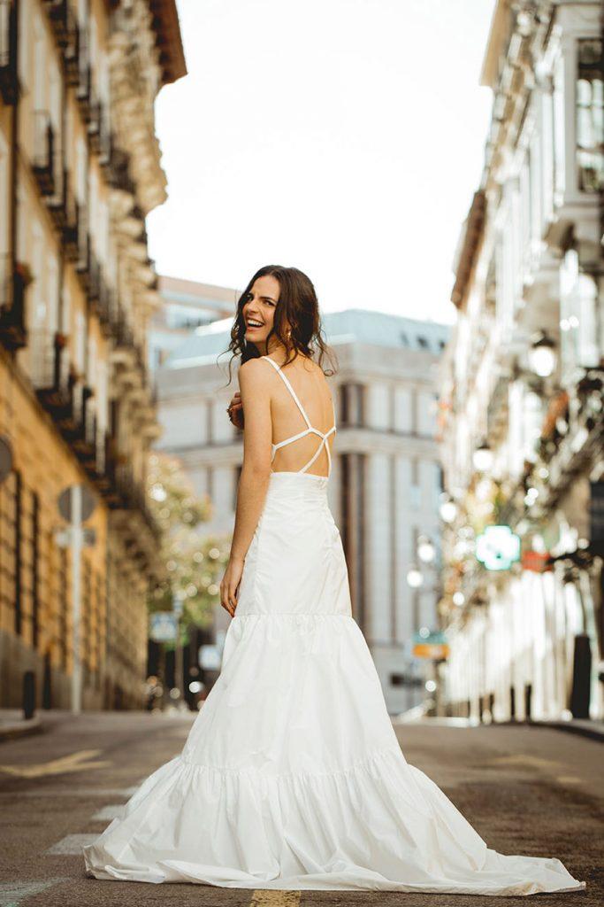 BE BEBA'S PRESENTA SU NUEVA COLECCIÓN BEYOND bebas-vestido-novia-683x1024