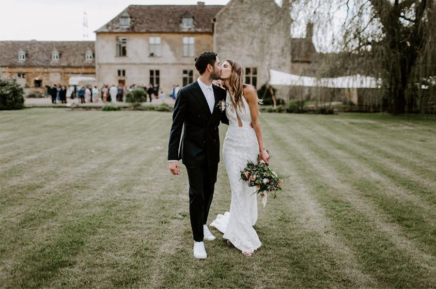 ZOE & JACOB: BODA EN LA CAMPIÑA INGLESA jardin-boda