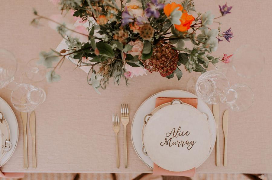 ZOE & JACOB: BODA EN LA CAMPIÑA INGLESA vajilla-boda