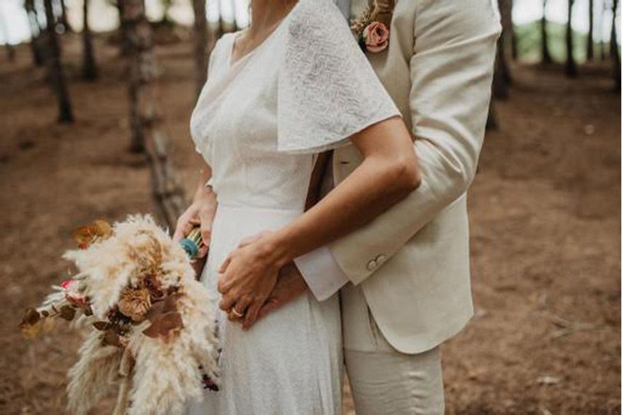 SALACIA, UNA SLOW WEDDING EN LA COSTA MEDITERRÁNEA novia-ramo