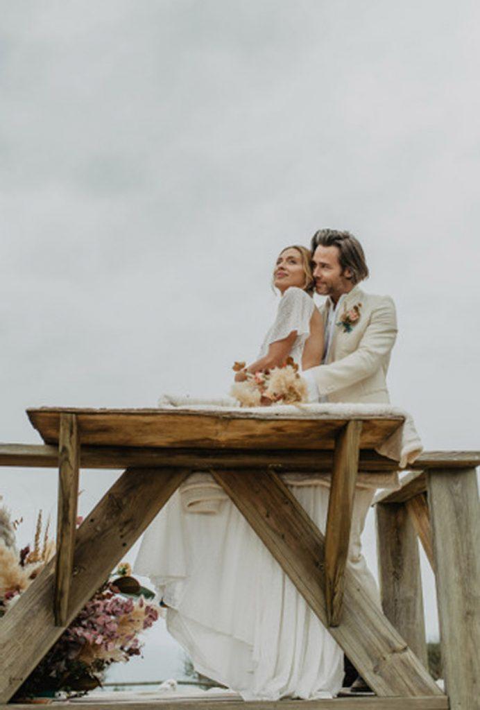 SALACIA, UNA SLOW WEDDING EN LA COSTA MEDITERRÁNEA novios-boda-playa-692x1024
