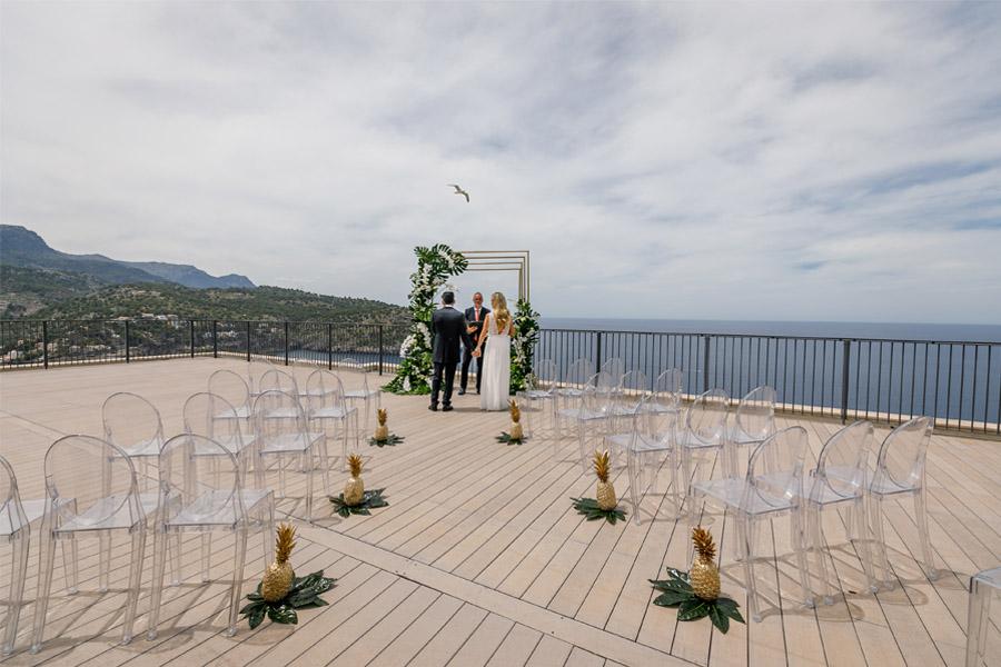 MARTINA Y ÁLVARO: GLAMOUR EN MALLORCA ceremonia-boda-chic