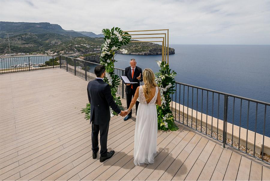 MARTINA Y ÁLVARO: GLAMOUR EN MALLORCA ceremonia-boda-mallorca