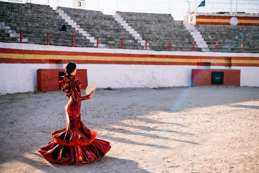 PODERÍO, EL ARTE DE UNA BODA EN EL SUR novia-plaza-toros