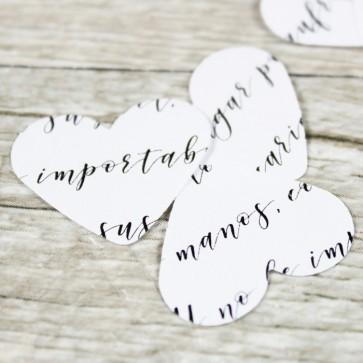 Confetti forma corazón palabras