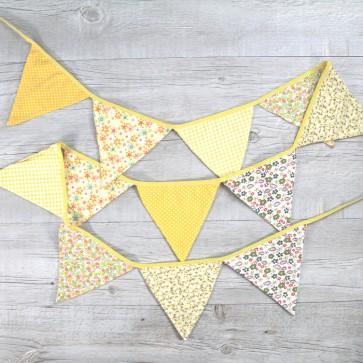 Guirnalda de banderines amarillos