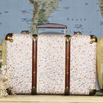 Comprar maleta para decorar con flores