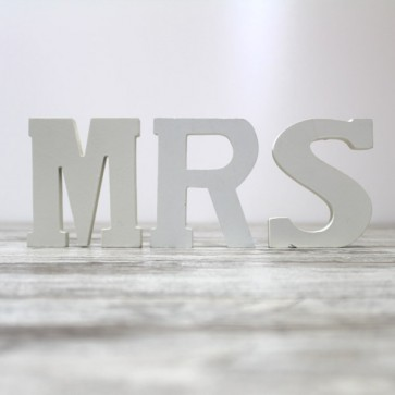 Letras Mr & Mrs en madera blanca