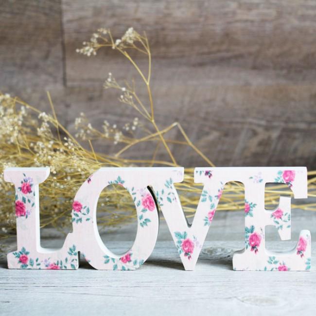 Decoracion Letras Love ~ Letras de madera Love con flores  Una Boda Original