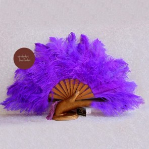 Abanico de boda con plumas púrpura